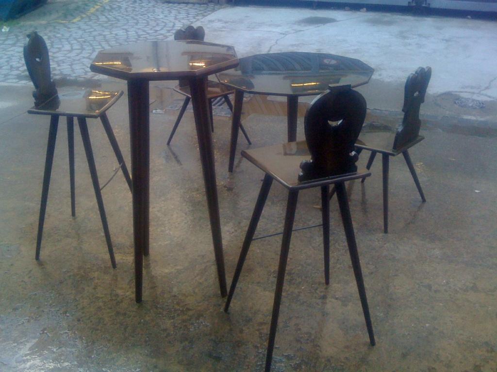 chaises alsaciennes de design. Black Bedroom Furniture Sets. Home Design Ideas